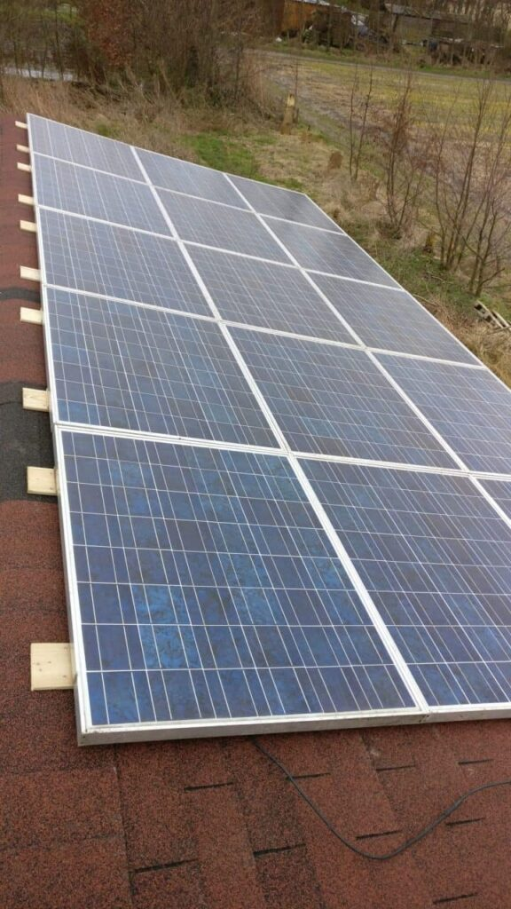 15 solar panels of 160 Watt